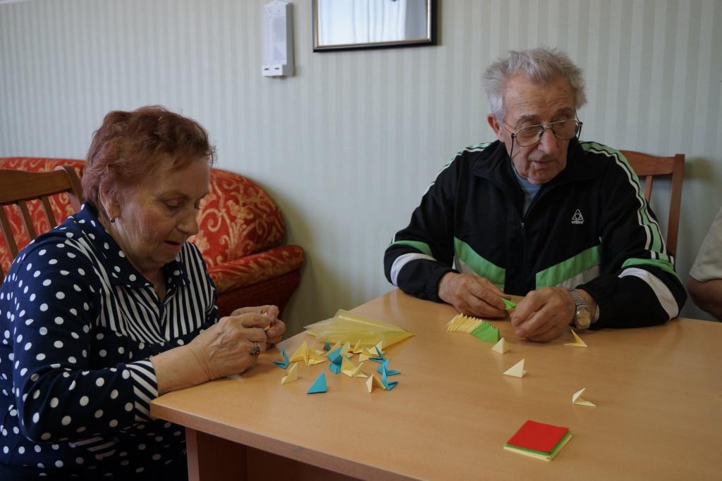 С отдыхающими пансионата проводился мастер-класс по «Модульному оригами».